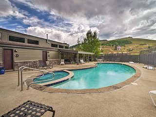 NEW! Crested Butte Condo - 5 Min. Walk to Ski Lift
