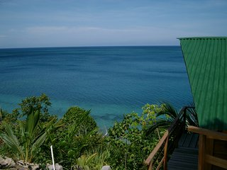 End of the World Resort, A great group destination. Fishing, Diving and Families