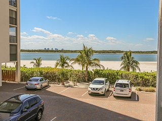 Direct Beachfront Condo At Island End