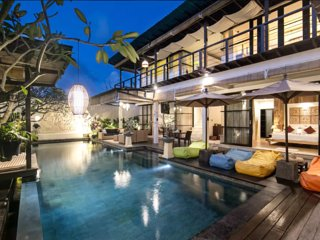 Jimbaran 4 bedrooms villa at Temple Hill sleep 8+