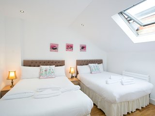 Cosy 1BR Apartment Hammersmith W6, Sleeps 8