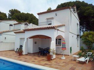 Beautiful 3 bedroom house - BONITA 2