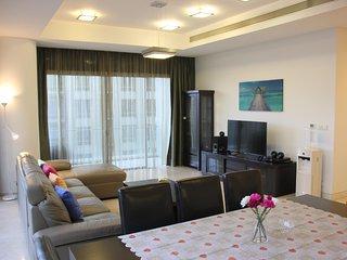 Pavilion Bukit Bintang Modern Suite (3BR3B, sleeps 13pax)