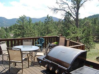 NEW LISTING! Secluded vacation home w/lake & mountain view- walk to downtown