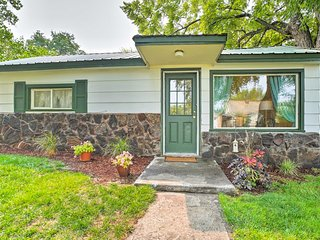 NEW! Cozy Hagerman Home w/Deck Near Snake River!