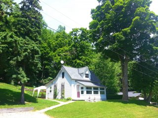 2 bedroom Wiffen Cottage in Beautiful Port Albert, Ontario