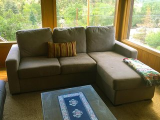 NEW LISTING! Experience Estes Park at a cozy cottage w/outdoor fire pit & grill