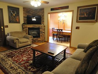NEW LISTING! Beautiful, family-friendly home w/kitchen, gas fireplace & deck