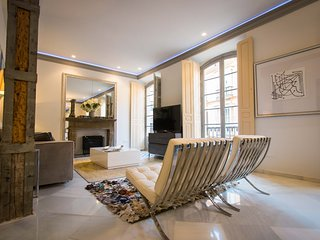Luxurious apartment in Calle Cister with a view of the Cathedral