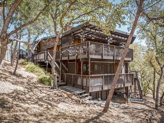 NEW LISTING! Bright, classic home w/ shared pool & access to Lake Nacimiento