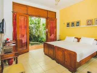 Fresh & Airy Room a Perfect Getaway for Couples
