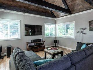 Maple Lodge - Spacious Home That Sleeps 12!