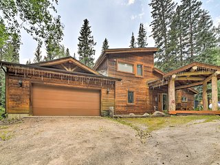 Mountain Cabin w/ Deck & Backyard on Mill Creek!
