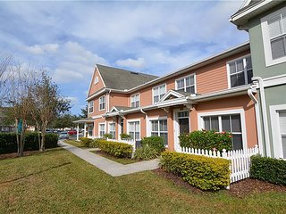 Comfortable 3 Bedroom Townhouse near Walt Disney World