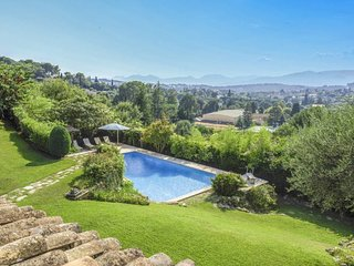 Stunning villa in Mougins for 10 people
