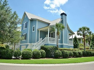 Stunning home on Seabrook with amenity pass