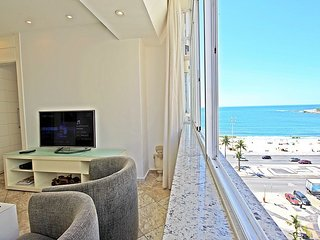 Luxury apartment in Copacabana with sea view. D041