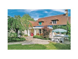 4 bedroom Villa in Les Goberdieres, Pays de la Loire, France : ref 5539494