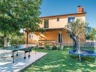 5 bedroom Villa in Marana, Istarska Županija, Croatia - 5520536