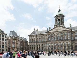 STUDIO FOR 2-DAM SQUARE AT YOUR FOOTSTEP