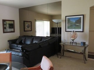 1CJACK - ONE BEDROOM CONDO ON TOLTEC COURT