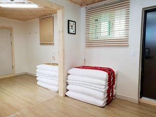 Dal Garam Guesthouse: Korean-styled family room