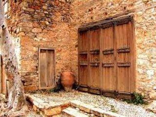 Airy, contemporary 2 bedroom villa in beautiful location, Plaka, Elounda, Crete