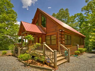 Bear Ridge Hideaway- Secluded Mtn View