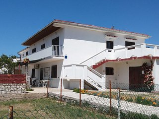 Pag Apartment Sleeps 6 with Air Con - 5465720