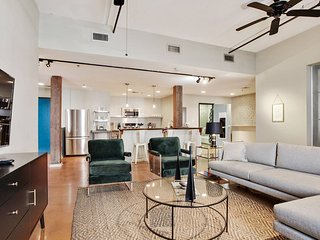 Impressive 2BR/2BA Industrial Apt in NOLA by Domio