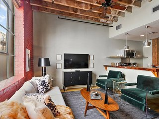 Inventive 2BR/2.5 BA Industrial Apt by Domio