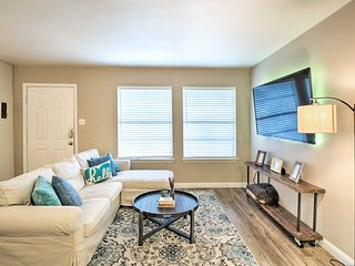 NEW! Updated Condo w/Pool-3 Mi to Downtown Austin!