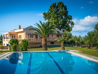 Leone Luxury Villa Georgia with 4 bedrooms and privet pool