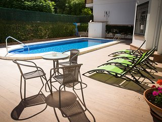 Villa Mercedes 6 bedrooms in Fuengirola centre and 2nd line beach private pool