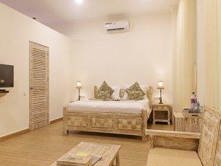DeLux Double Room in 11-bedroom compound with seaview veranda