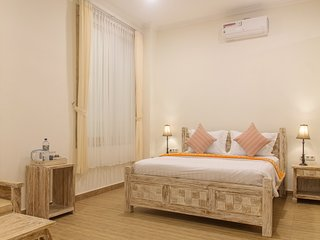 Lux Double Room in 11-bedroom beachfront compound