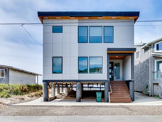 NEW LISTING! Dog-friendly beachfront house w/private hot tub & incredible views