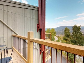 Great condo with prime location near adventures and relaxing mountain views