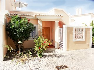 Casa Ana - 2 bed villa with shared pool
