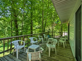 NEW! Bryson City Cottage w/Deck-Steps to Creek!