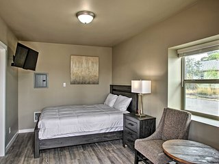 NEW! Spokane Valley Studio Perfect for Couples!