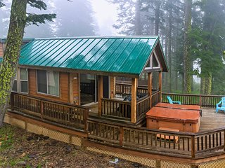 #46 The Cabins at Hyatt Lake - Sleeps 5 - Hot Tub