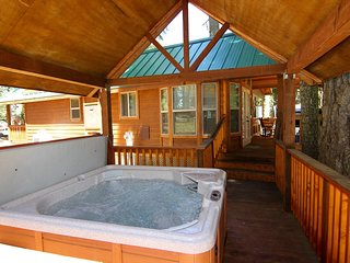 #47 & 48 Hyatt Lake Compound - Sleeps 9