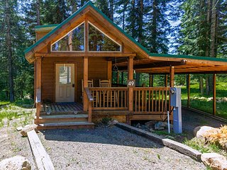 #49 The Cabins at Hyatt Lake - Sleeps 4 - Private