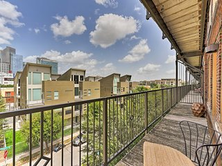 NEW! Hip East Downtown Houston Apt w/ View!
