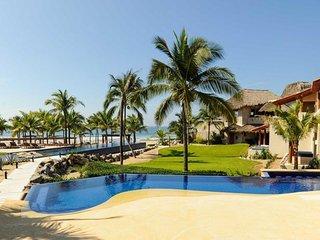 Luxury Beachfront Villa with Hotel Service - Las Palmas F24