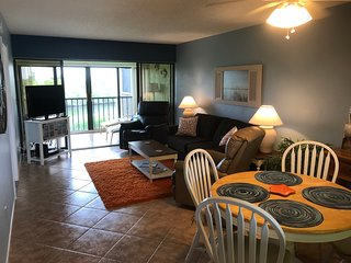Fort Myers Beach Condo - Available January and April 2019-Walk to the Beach!