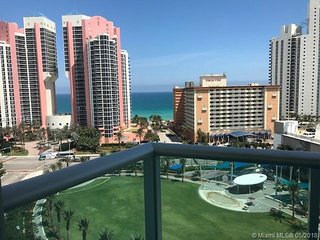 AMAZING OCEANVIEW FROM YOUR TERRACE 1BD\11/2BATHS 14th Floor. LICENSE:STR-00226