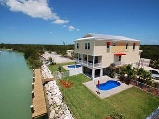 Relax Away - SOMBRERO BEACH- NEW 4BDRM W/  DOCK & PRIVATE POOL