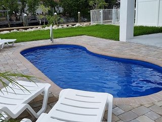 Relax Away - Sombrero - NEW 4BDRM W/ 40ft DOCK & PRIVATE POOL